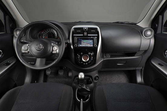 Novo Nissan March - fotos interior