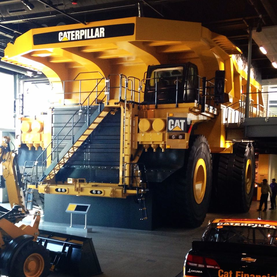 Fotos e Vídeos do Caterpillar 797F, o maior caminhão do mundo.